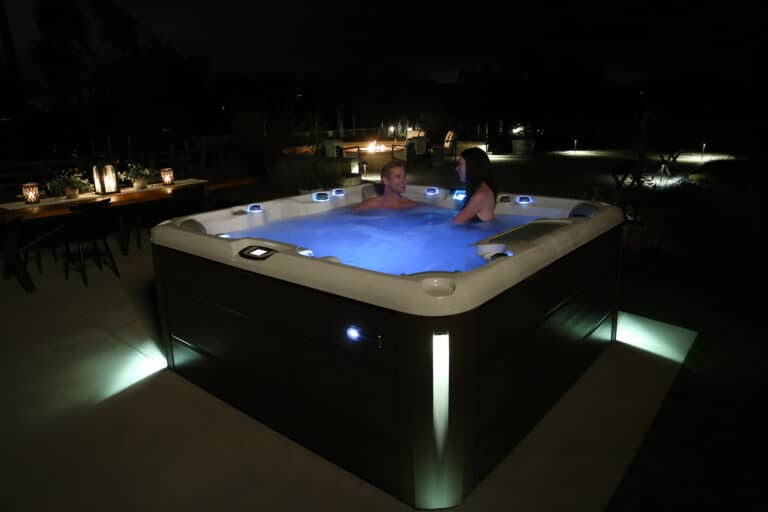 5 Reasons to Use Your Hot Tub in the Winter