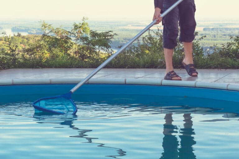 The Benefits of Professional Swimming Pool Service